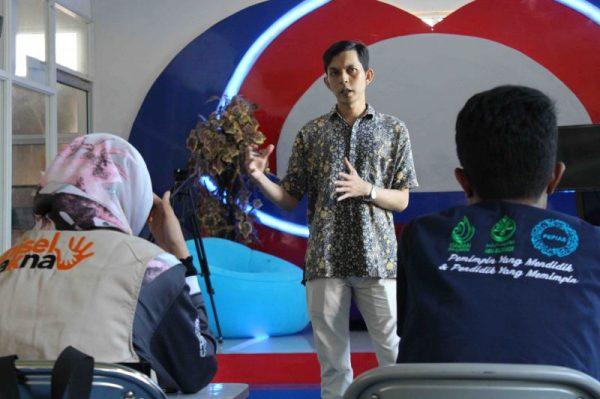 Mahasiswa UNISEL Studi Banding Ke UB ONTV