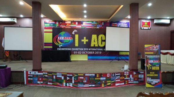 Persiapan dekorasi ruang acara pembukaan I+ACEH 2019